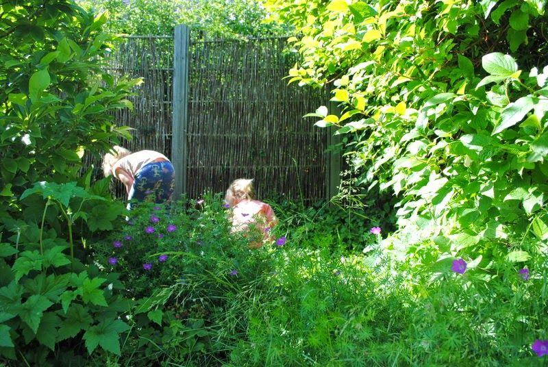 Mor til MERNEE: hygge i haven