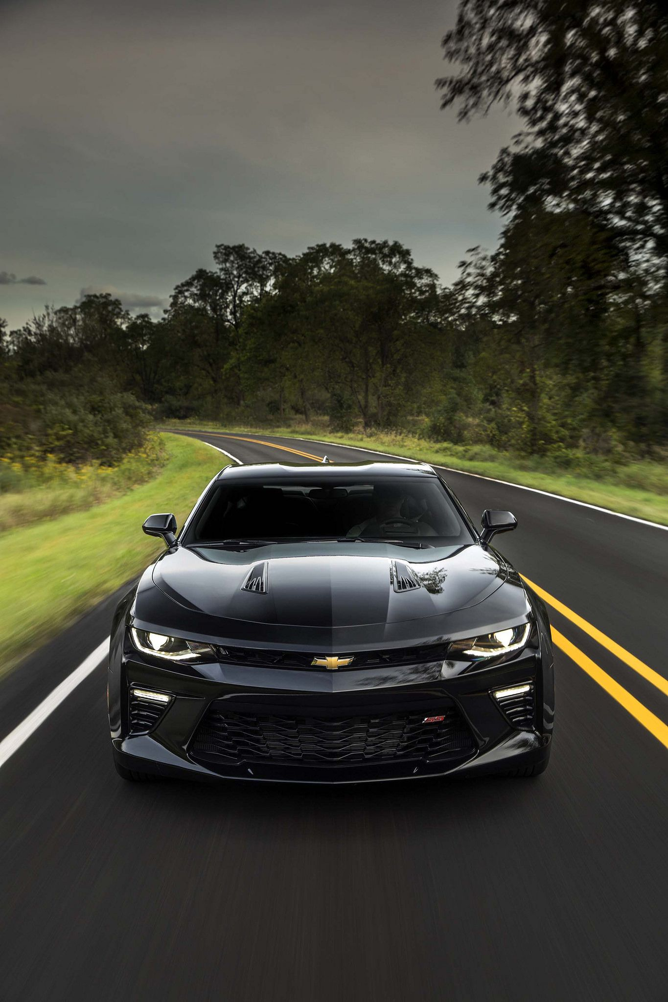 2016 camaro ss breaks the 200 mph mark hennessey performance propelled their 2016 camaro ss to a top speed of 202 1 mph
