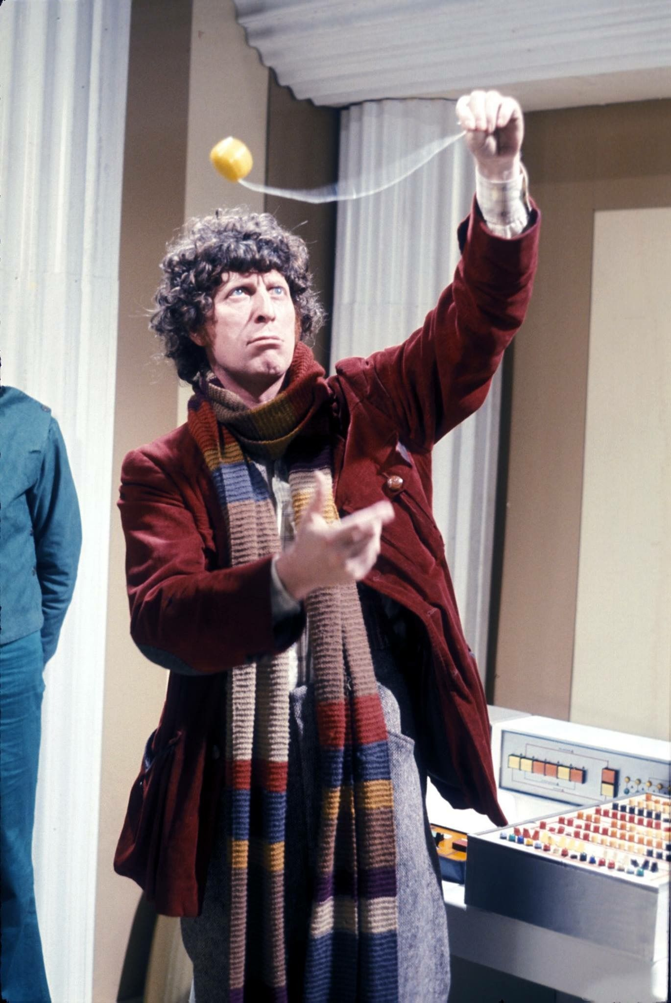 The Fourth Doctor And His Yoyo Classic Doctor Who Doctor Who Dr Who
