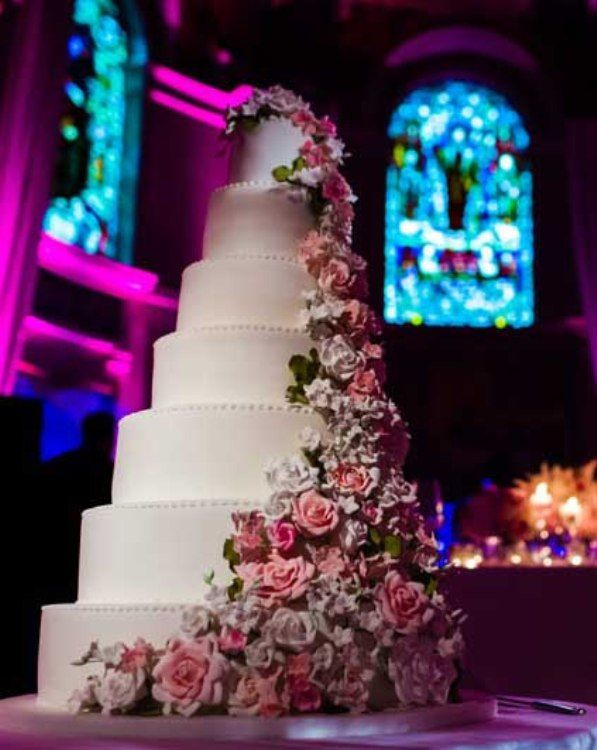 top ten most expensive celebrity wedding cakes in the world newstrack pinterest wedding. Black Bedroom Furniture Sets. Home Design Ideas