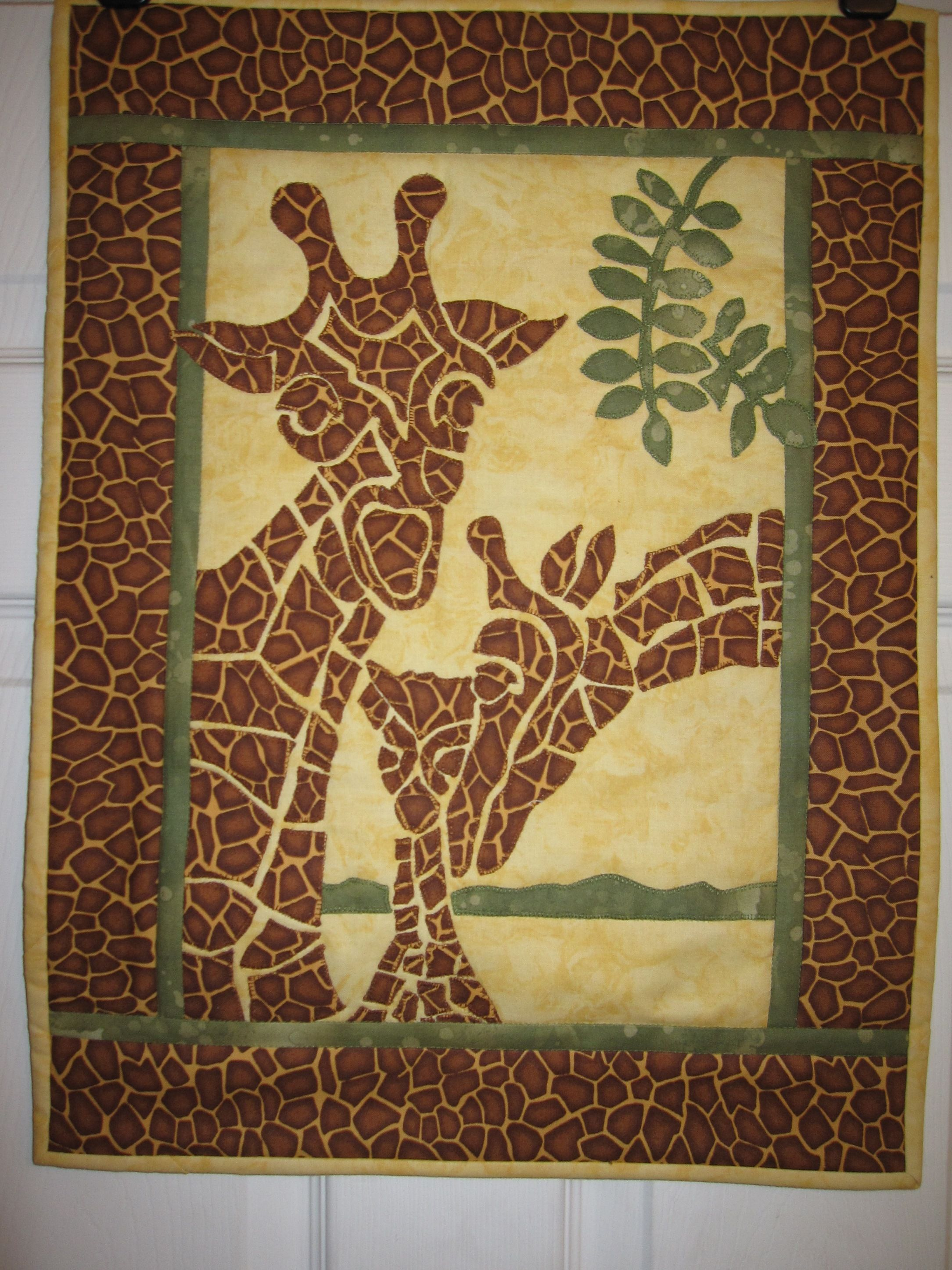 "Giraffe Applique Quilt by ""northern lass"" from the quiltingboard.com"