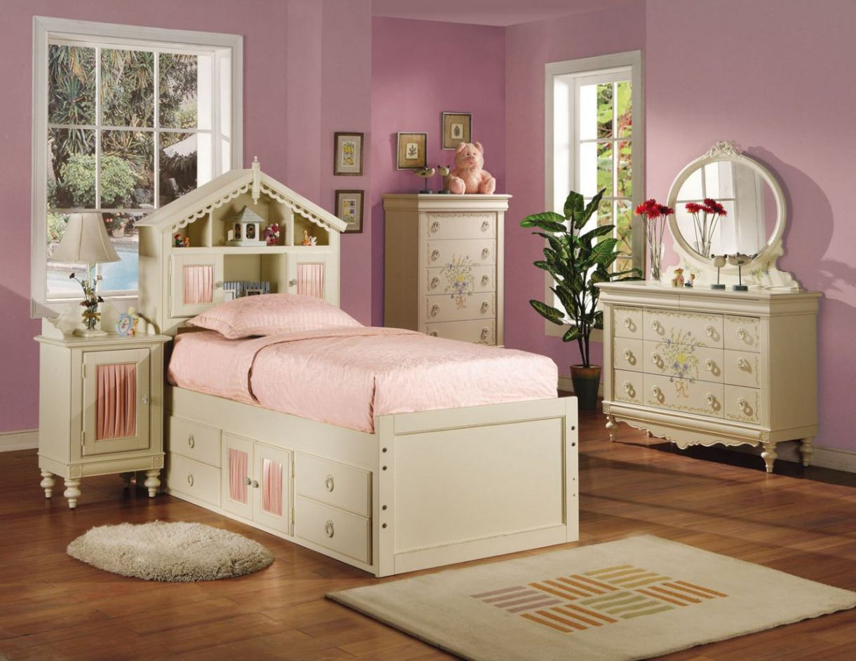 Dollhouse Bedroom Furniture - Interior Bedroom Paint Colors Check ...