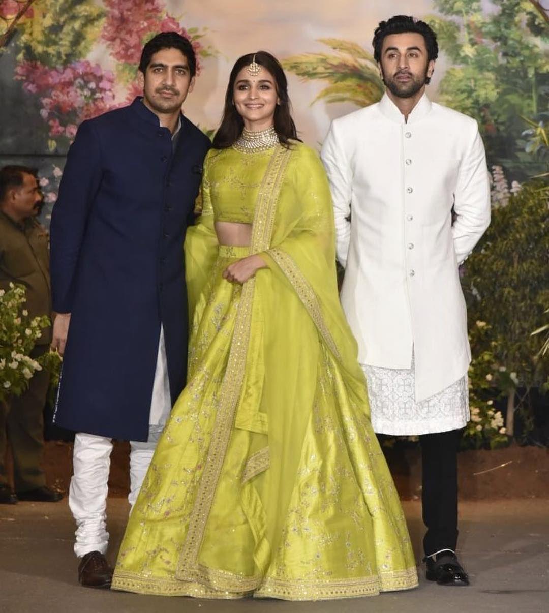 Sonam Kapoor Anand Ahuja Wedding Reception Kareena Kapoor Saif Shahid Kapoor Mira Shah Indian Wedding Outfits Indian Engagement Outfit Bollywood Dress