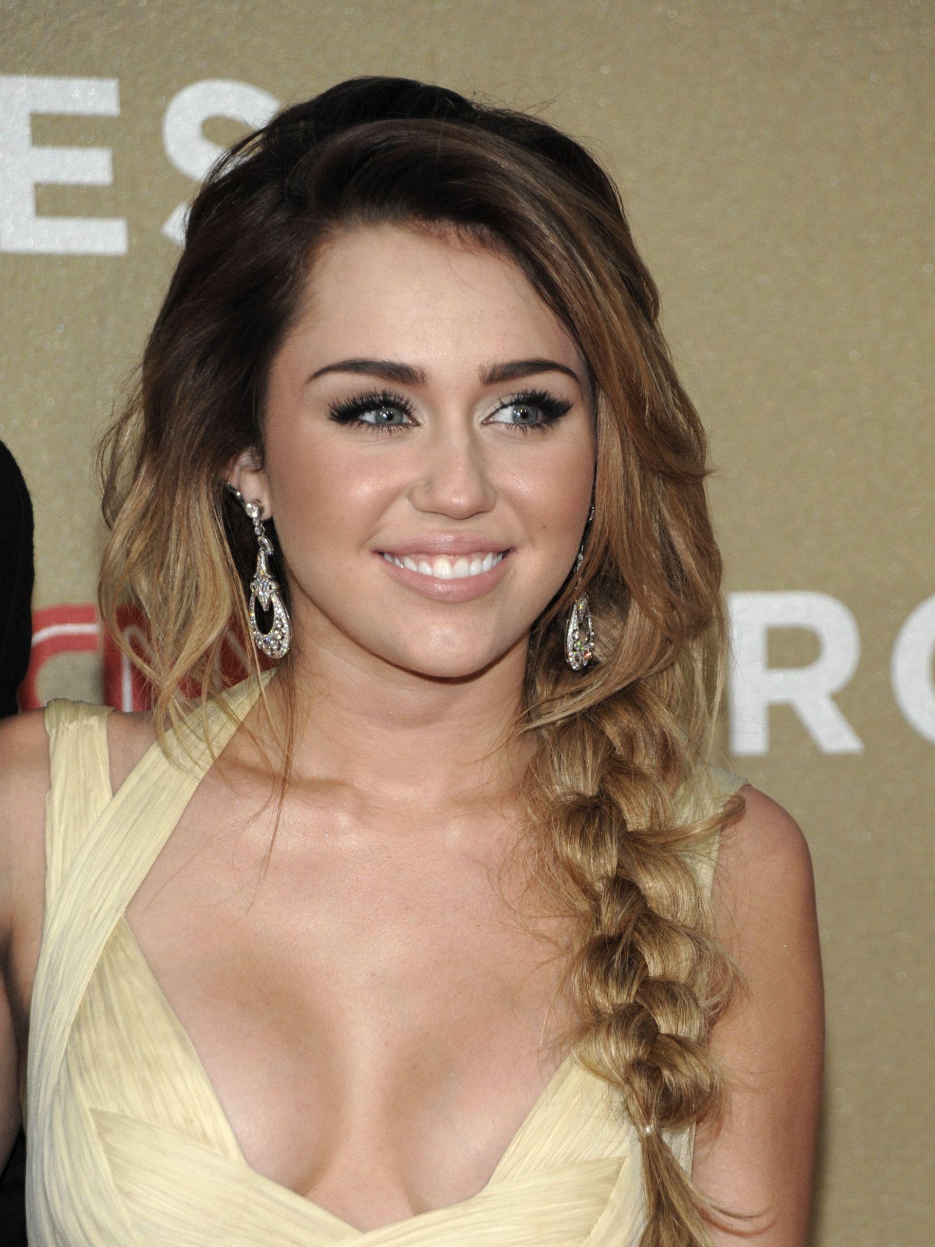 messy side braid | hair | miley cyrus, celebrity smiles