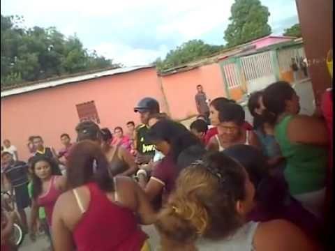 Vea lo que pasa en Venezuela cuando llega la Harina PAN a un ABASTO: Así nos tiene el socialismo | Critica24.com