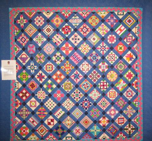 Totally Insane - The Salinda Rupp Quilt - Kilmore Kwilters Challenge 2008 - Lorraine - Picasa Web Albums