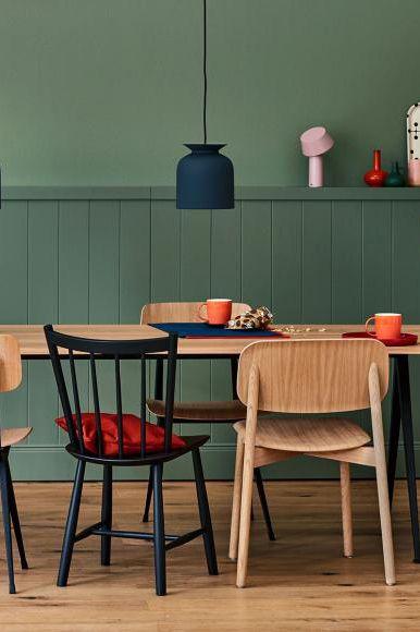 Essplatz Vor Elegantem Salbeigrun Bild 14 In 2020 Wohnkuche Schoner Wohnen Farbe Und Kuchen Design