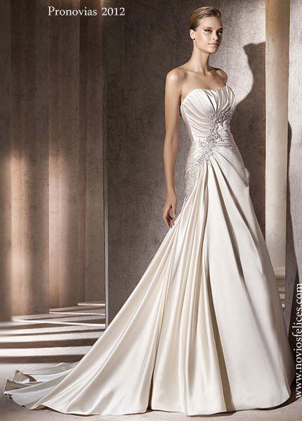 vestido de novia en color perla con destellos dorados de estilo