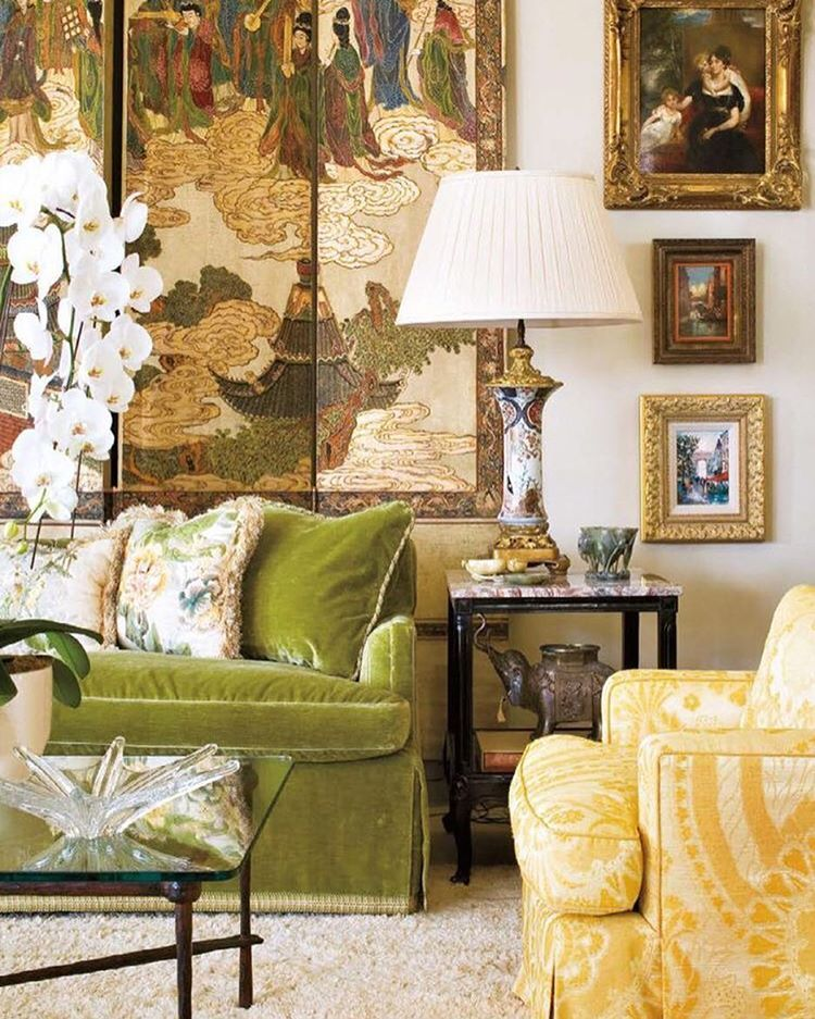Traditional English Living Room Design Pretty Rooms Pin By Emma Bazilian On Pinterest Large Scale Art Flanked Gold Frames Wit That Delicious Green Velvet Couch