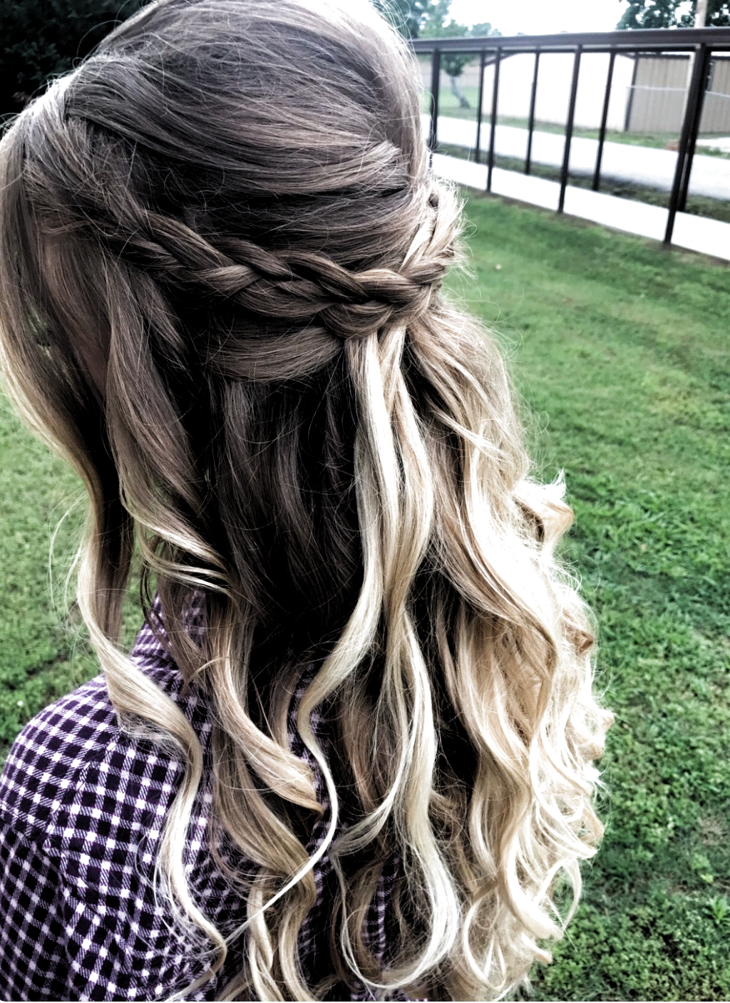 195 Best Formal Hairstyles For Shoulder Length Hair Formal Hairstyles Length Shoulder In 2020 Wedding Hair Down Braids With Curls Prom Hairstyles For Long Hair