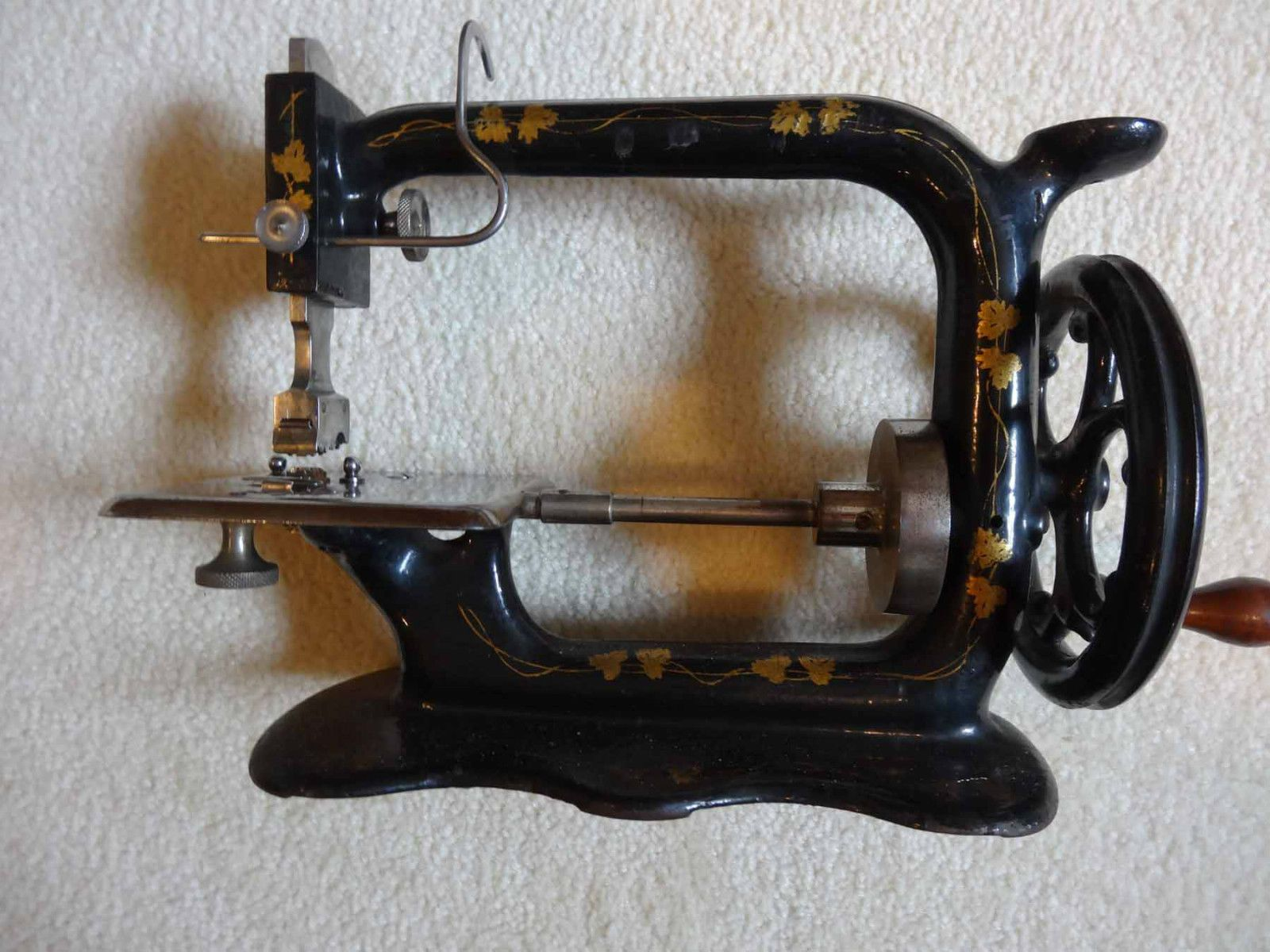 Heberling Running Stitch Sewing Machine