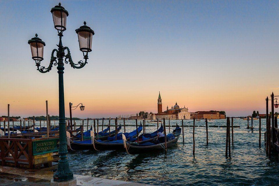 Venise Lisbonne La Normandie Pour Un Weekend En Amoureux Venise Italie Vacances Romantiques Et Venise