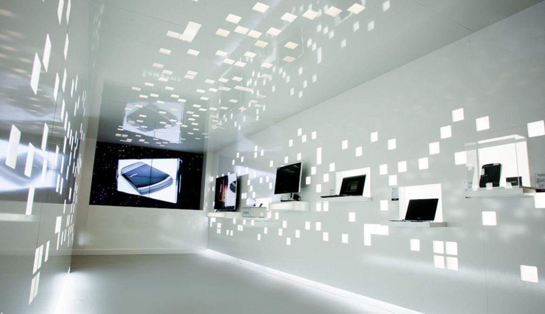 Showroom High Tech Cannes Showroom Photo Wall Installation