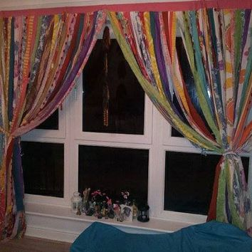 Teen window curtains