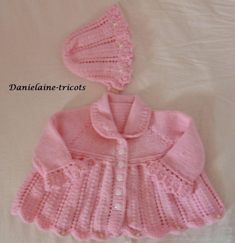 Ensemble layette manteau et bonnet en laine rose : Mode Bébé par danielaine-tricots-enfants