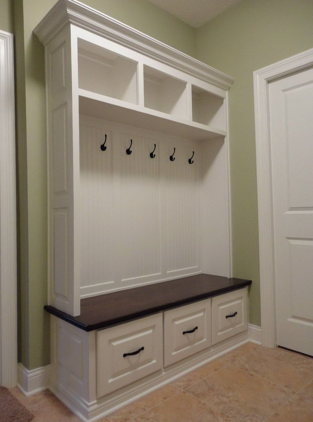 Laundry Room Bench And Hooks In 2019 Mudroom Storage