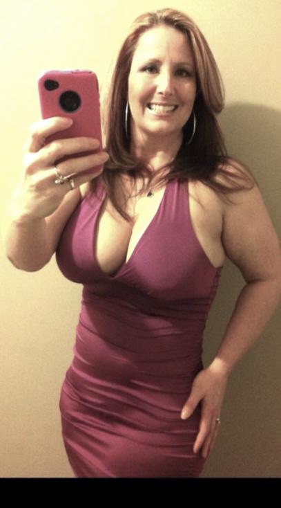 Sexy older women selfies