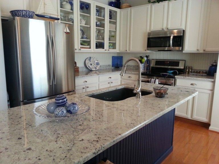 Graue Schränke · Weiße Küchen · Weiße Menschen · Colonial White Granite  Kitchen Contemporary With White Cabinets Nbsp Blue Cabinets