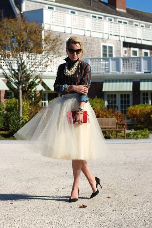 love the skirt with the shirt + pearls