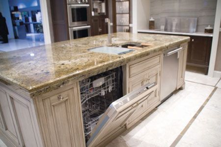 Flat Island Two Dishwashers Sink Should There Be A Ledge Or Big Flat