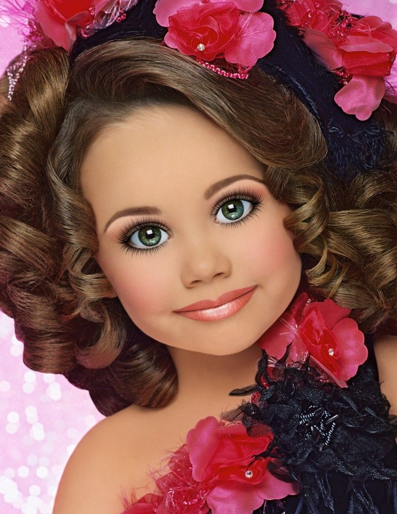 toddlers and tiaras doll face head shots and girls this right here is exactly why parents have a hard time putting there daughters in pageants i dont want my child to think she needs to make herself look