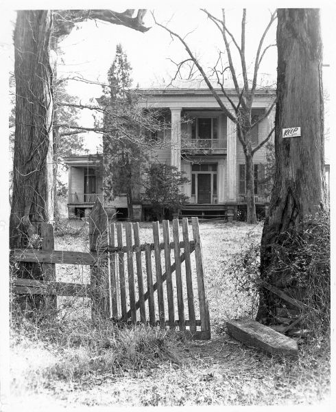 Rivendell - Columbus, MS | Old Mississippi Homes in 2019 | Old ... on old southern plantations, old slavery plantations, old florida plantations, beaufort south carolina old plantations, old new orleans plantations, old savannah plantations, old hawaii plantations, old natchez plantations,
