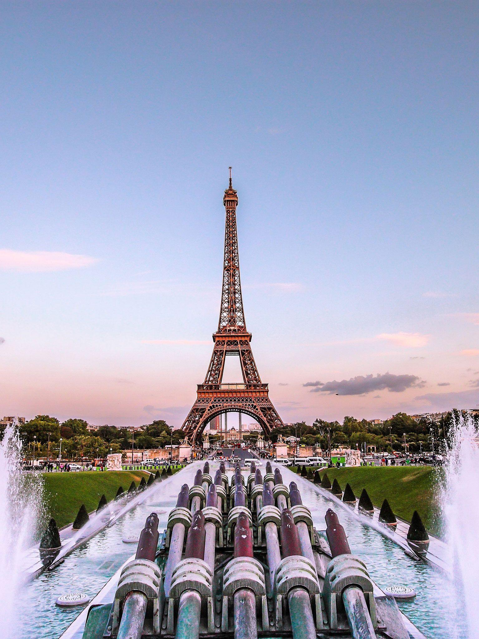 7 Paris Phone Backgrounds Eiffel Tower Paris France Eiffel Tower France Wallpaper