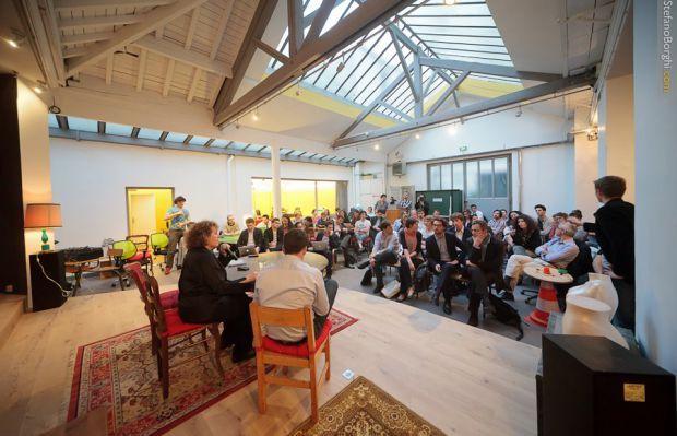 DANS L'ESPACE CO-WORKING DE SANJAR Ateliers, meet-ups, start-up weekends, tournages, expos, lancements de produits, tables rondes, cocktails #snapevent #event #corporate #cocktail  #meetup #seminaire