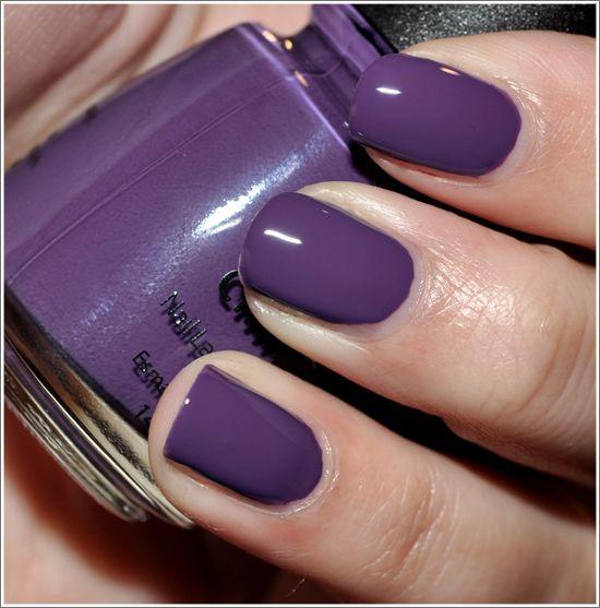 25 einzigartige lila nagellack ideen auf pinterest herbst nagellack nagellackfarbe 2014 und. Black Bedroom Furniture Sets. Home Design Ideas