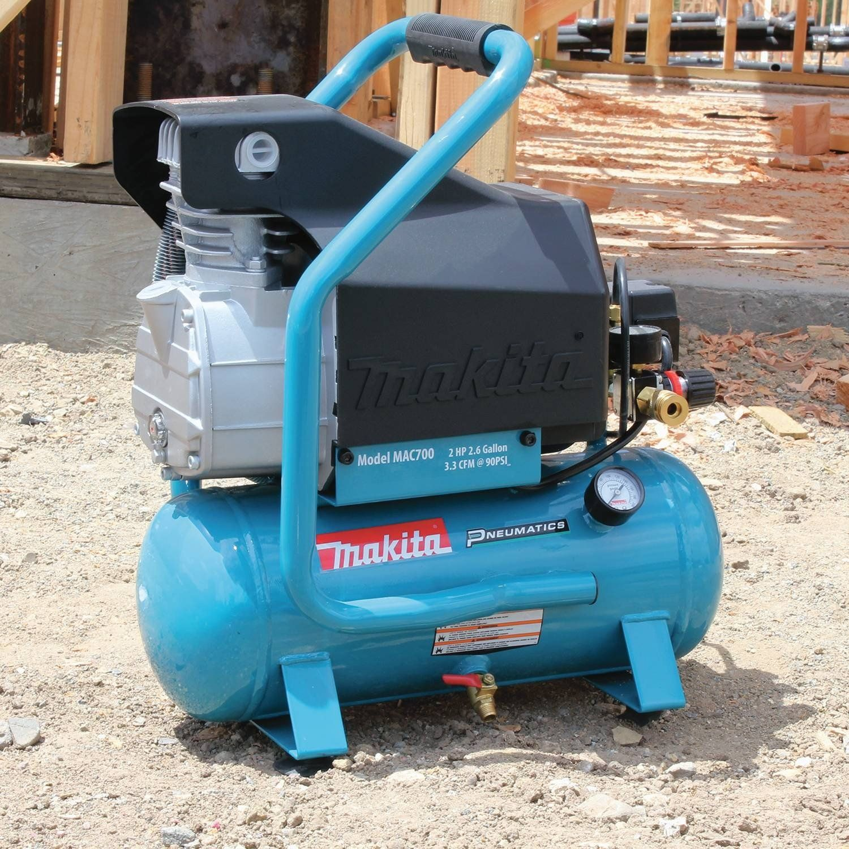Makita MAC700 Big Bore 2.0 HP Air Compressor * Inspect out