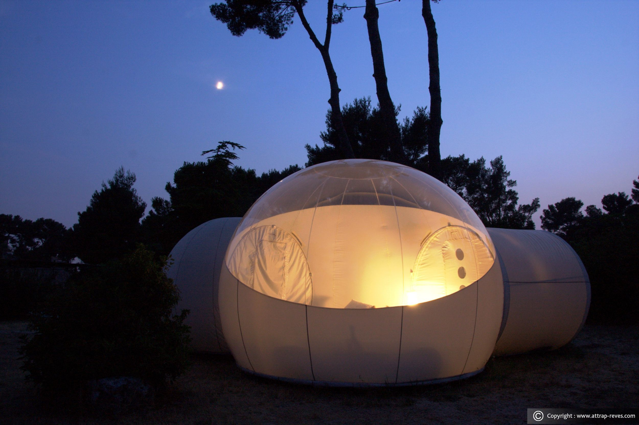 Suite Chic Design For An Unusual Night In A Bubble