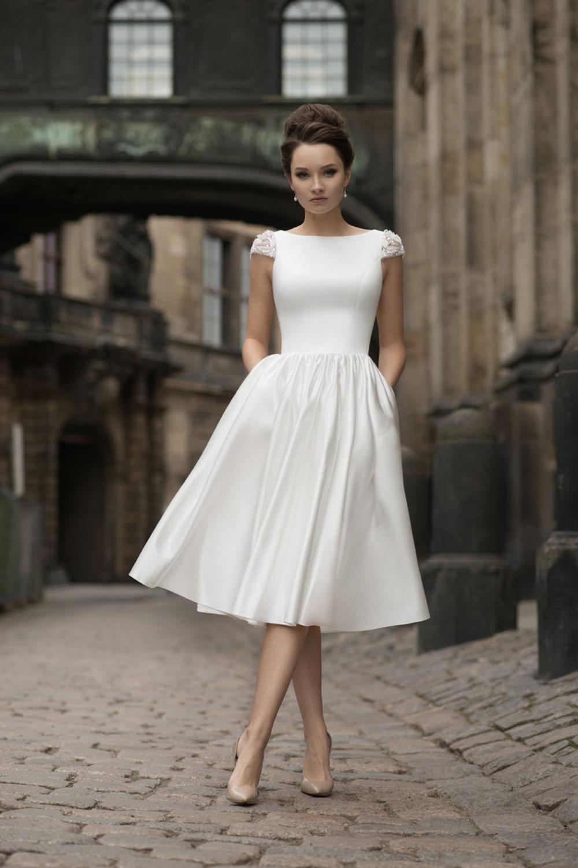Pin On The Dress [ 1500 x 1000 Pixel ]