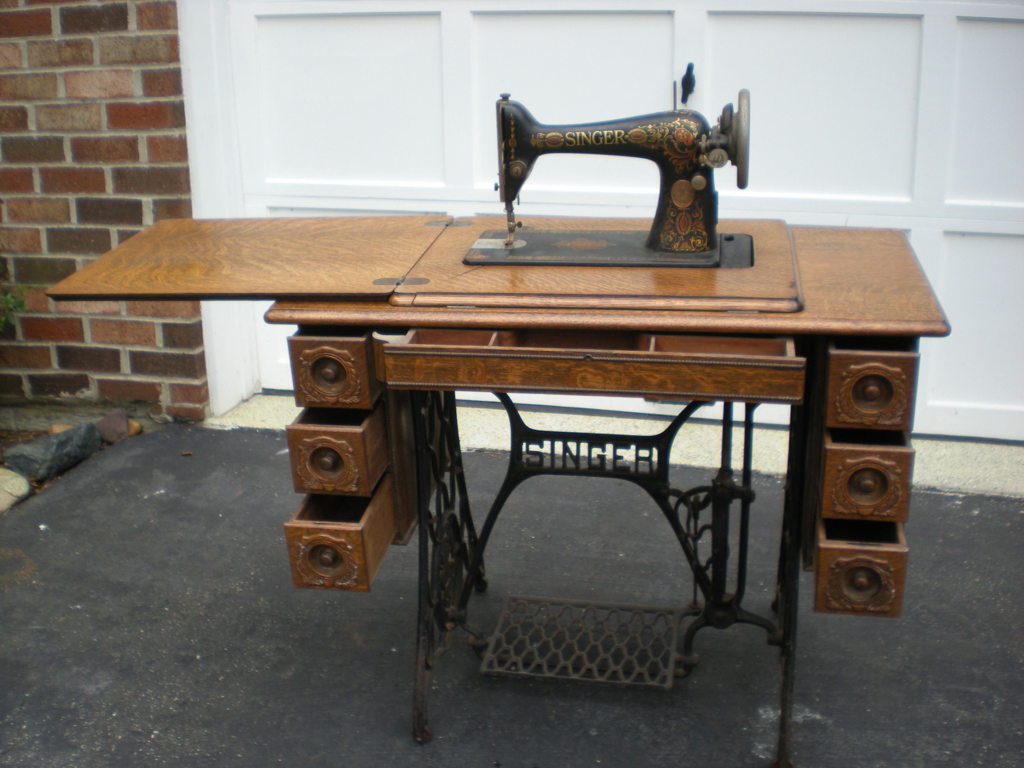 Early 1900s Singer Treadle Sewing Machine with 7 Drawer Tiger Oak ...