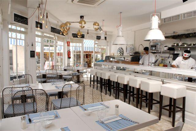 Blue White Paper Placemats Color Scheme White Black Agean Blue Restaurant Interior Design Restaurant Interior Commercial Design