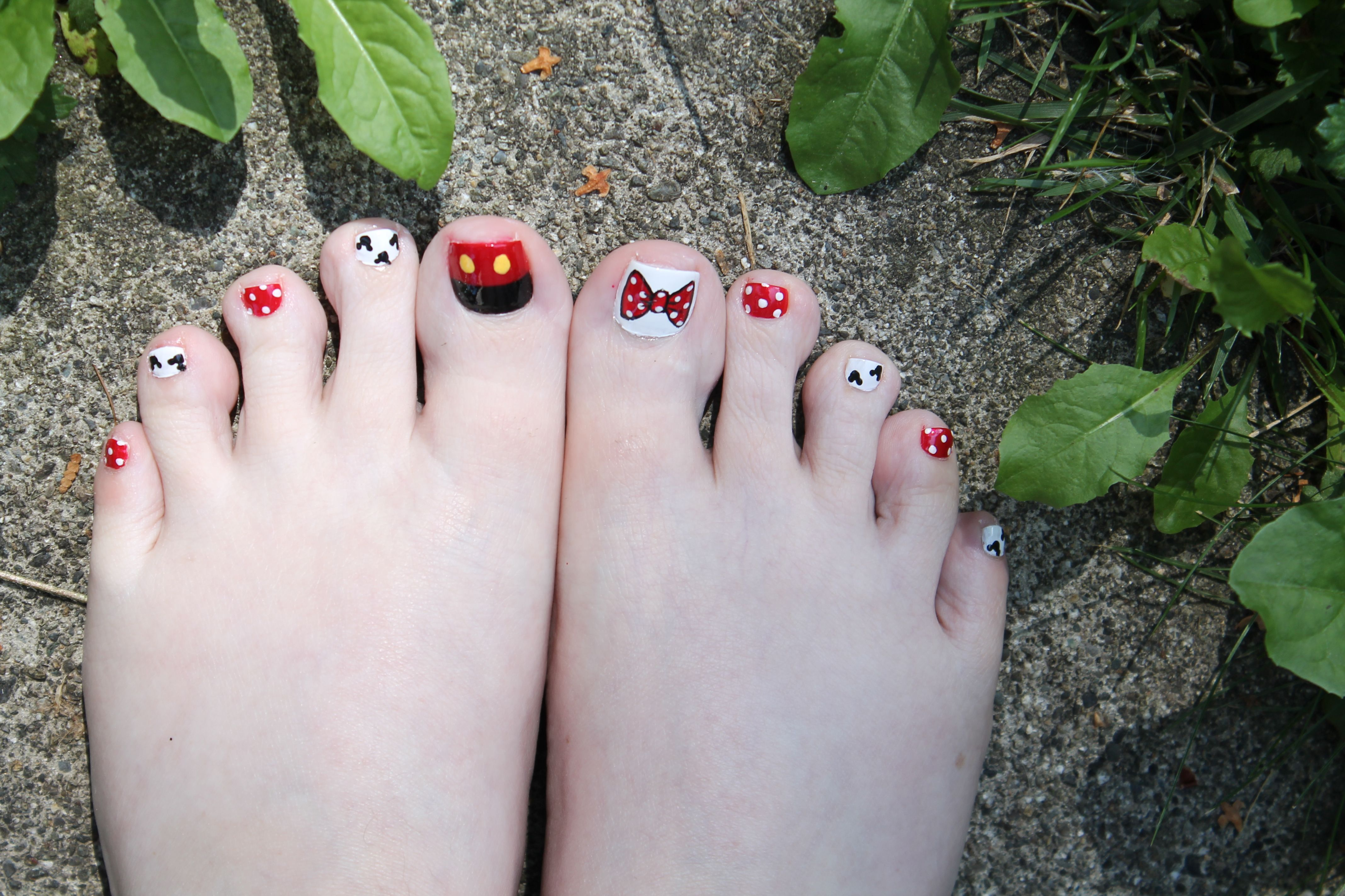 My toes ready for Disneyland. Disney nail art. Jo\'s Toes, Vancouver ...