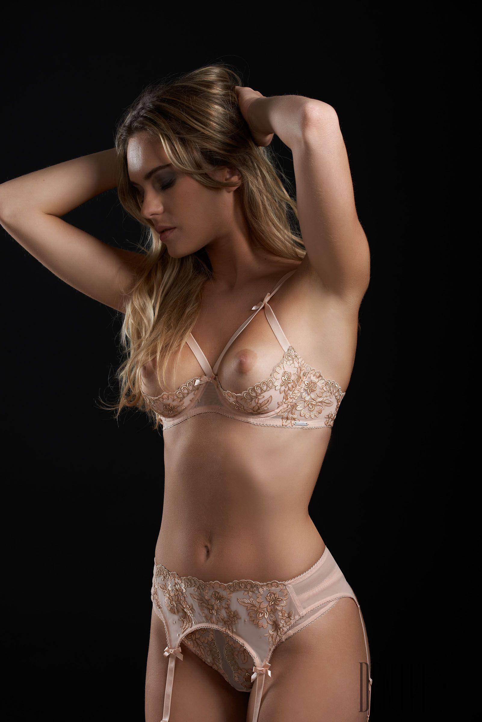 Petra model bikini pics