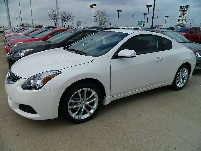 Pin By Ariel Haskins On Life Nissan Altima Coupe Dream Cars Nissan Coupe