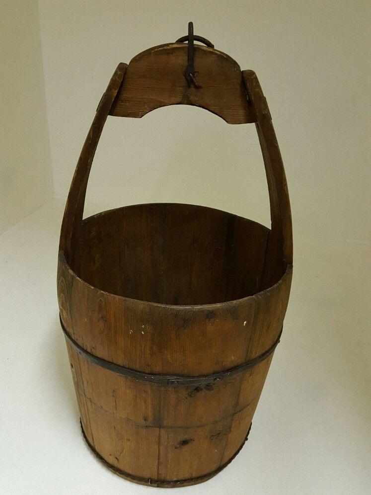 Vintage posing buckets