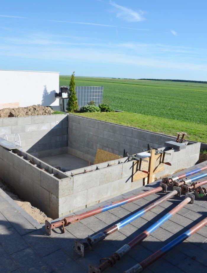 Einen Pool für den eigenen Garten mit Hilfe selber bauen