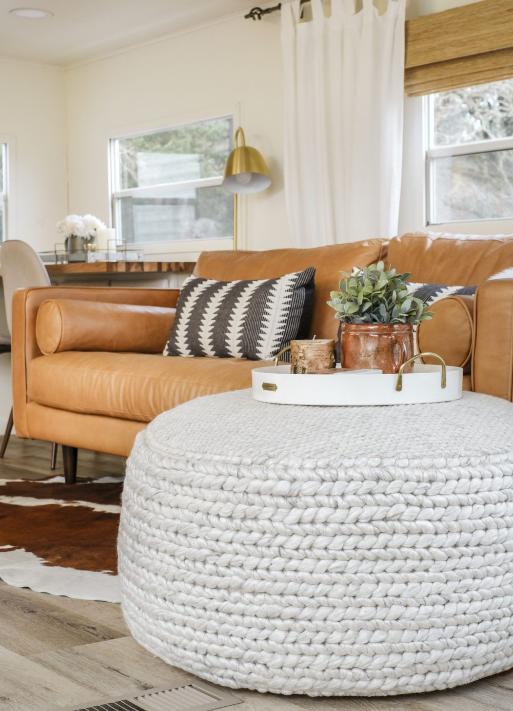 Pouf Mit Tablett Why You Need A Pouf For Your Living Room How To Style It 3