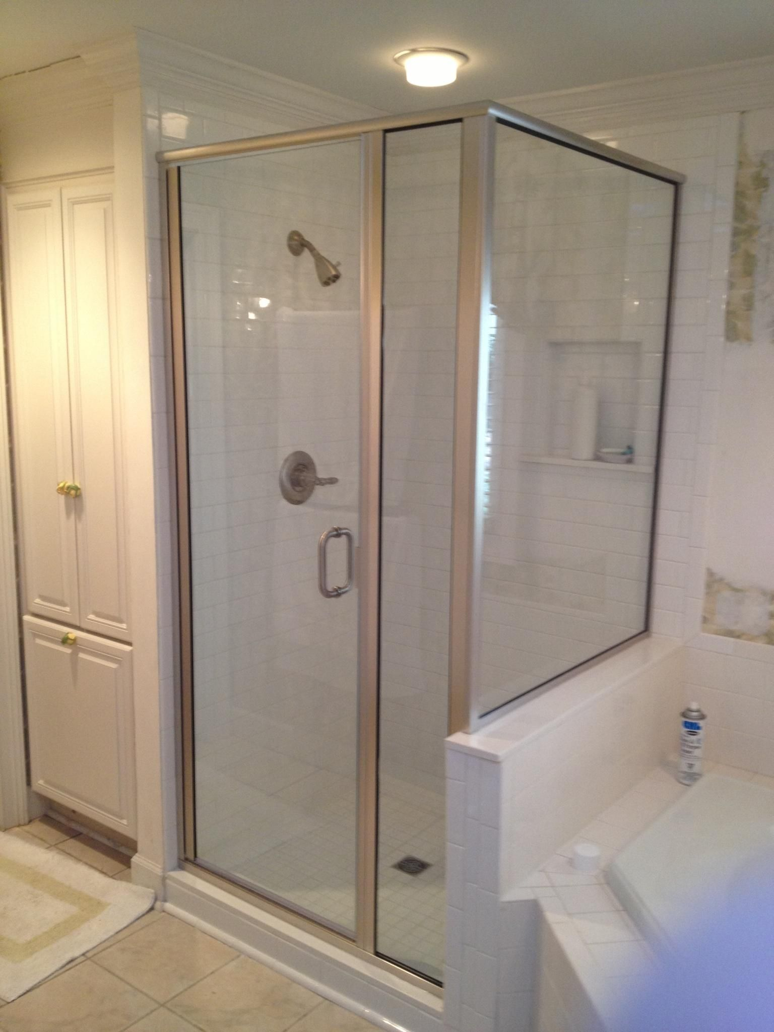 Plexiglass Frameless Shower Doors