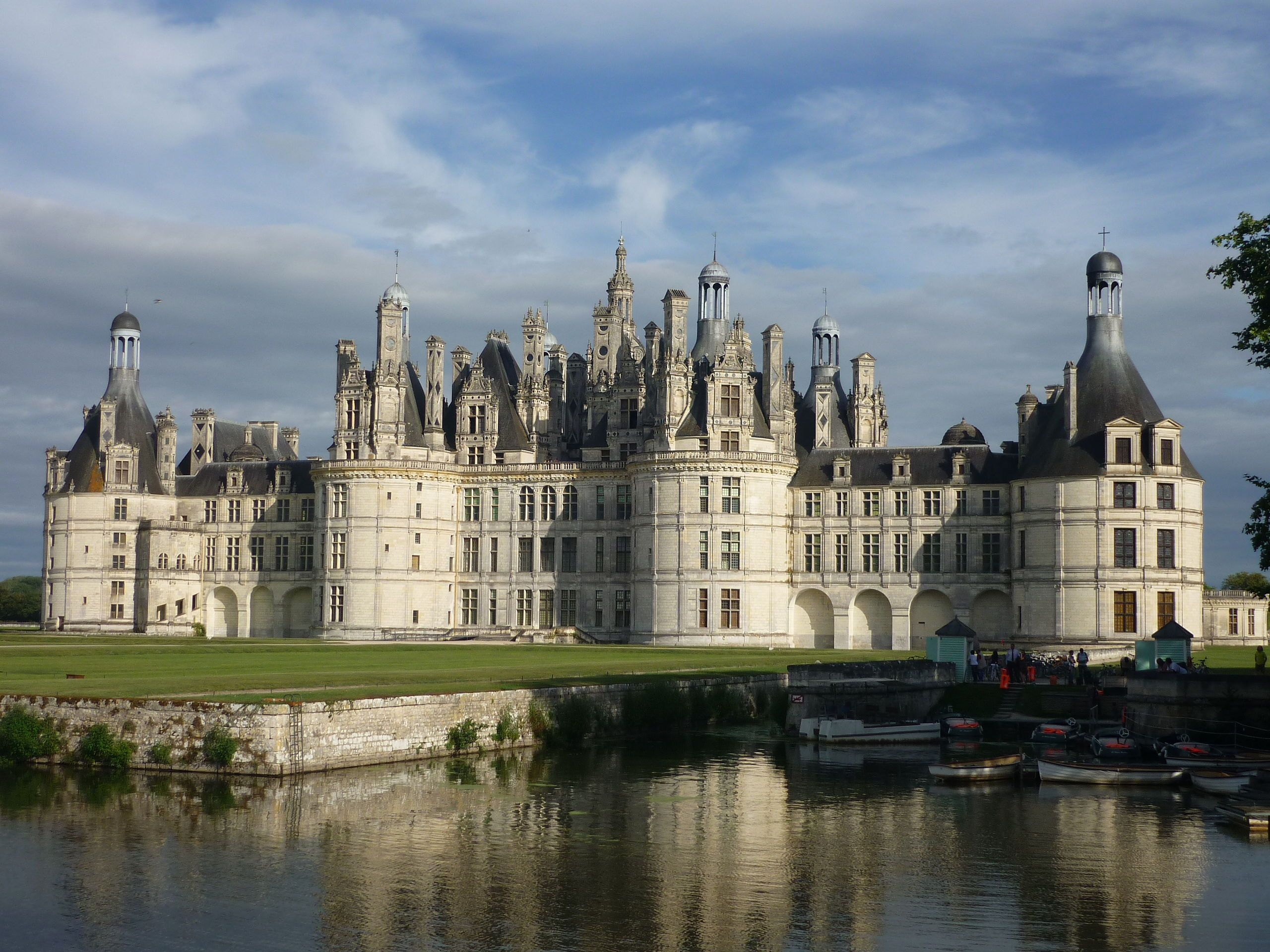 Chateau De Chambord 1519 1547 Is One Of The Most Famous Examples