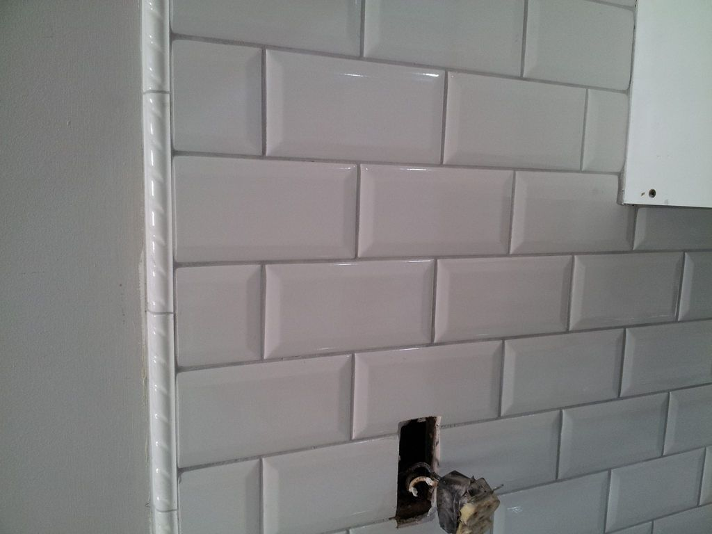 I am having trouble choosing the grout color for my kitchen the i am having trouble choosing the grout color for my kitchen the subway tiles are snow white probably should have gone with white and i am thinking of dailygadgetfo Image collections