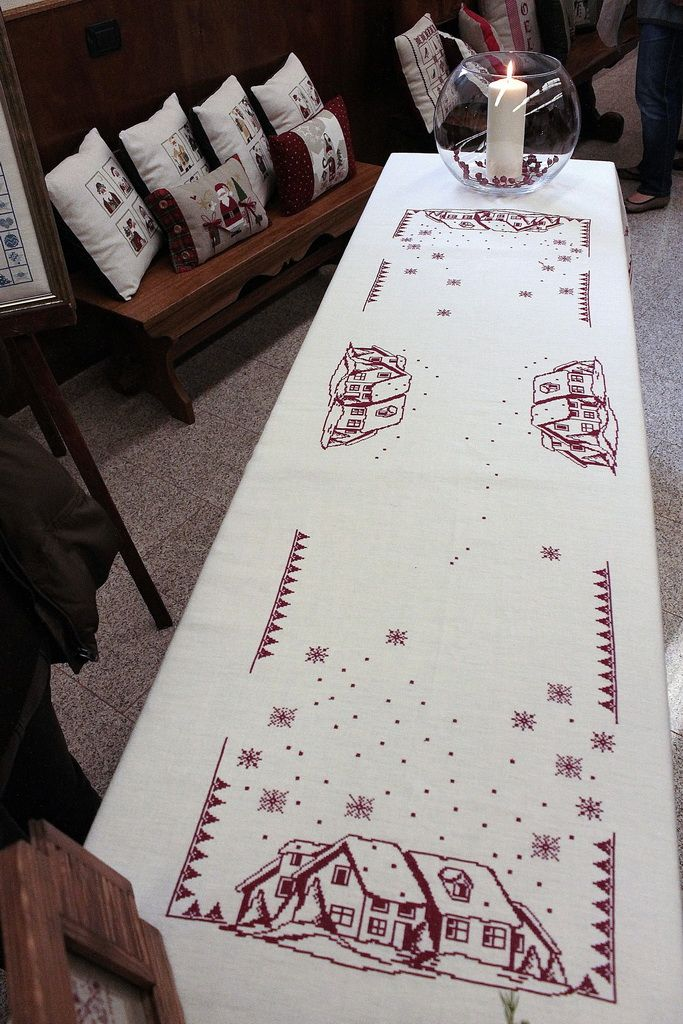 chemin de table chemin de table pinterest chemins de. Black Bedroom Furniture Sets. Home Design Ideas