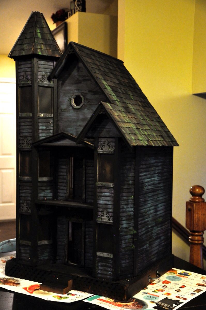 Built this to demo animating your haunted house using an Arduino at the 2016 RMH gathering. Lots more detail to come. #haunteddollhouse