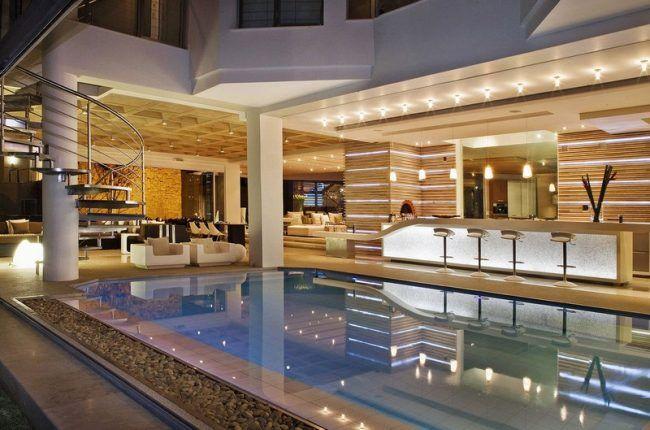 indoor pool bauen traumhafte schwimmbaeder   möbelideen, Innenarchitektur ideen