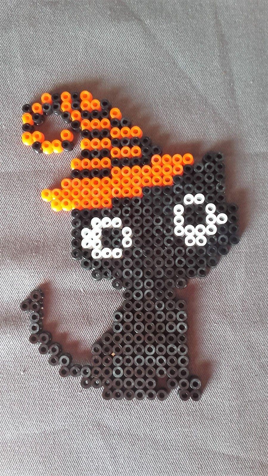 Black cat en perles à repasser pour Halloween