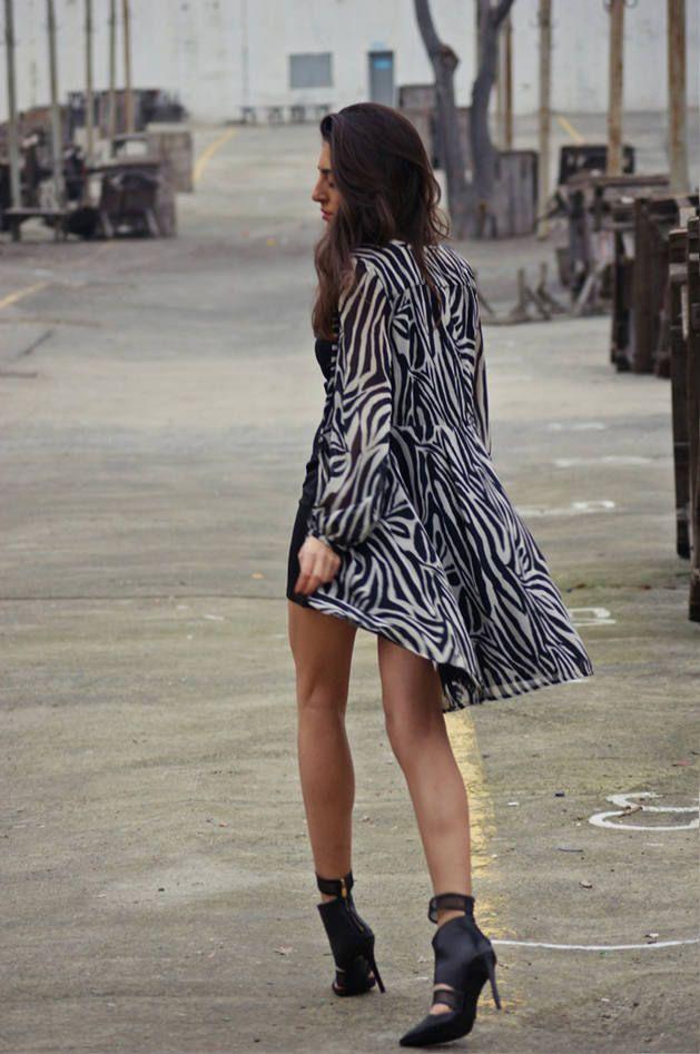 0295df49a9e1f Black And White Zebra Print Long Line Jacket   Zebra   Moda, Estilo ...