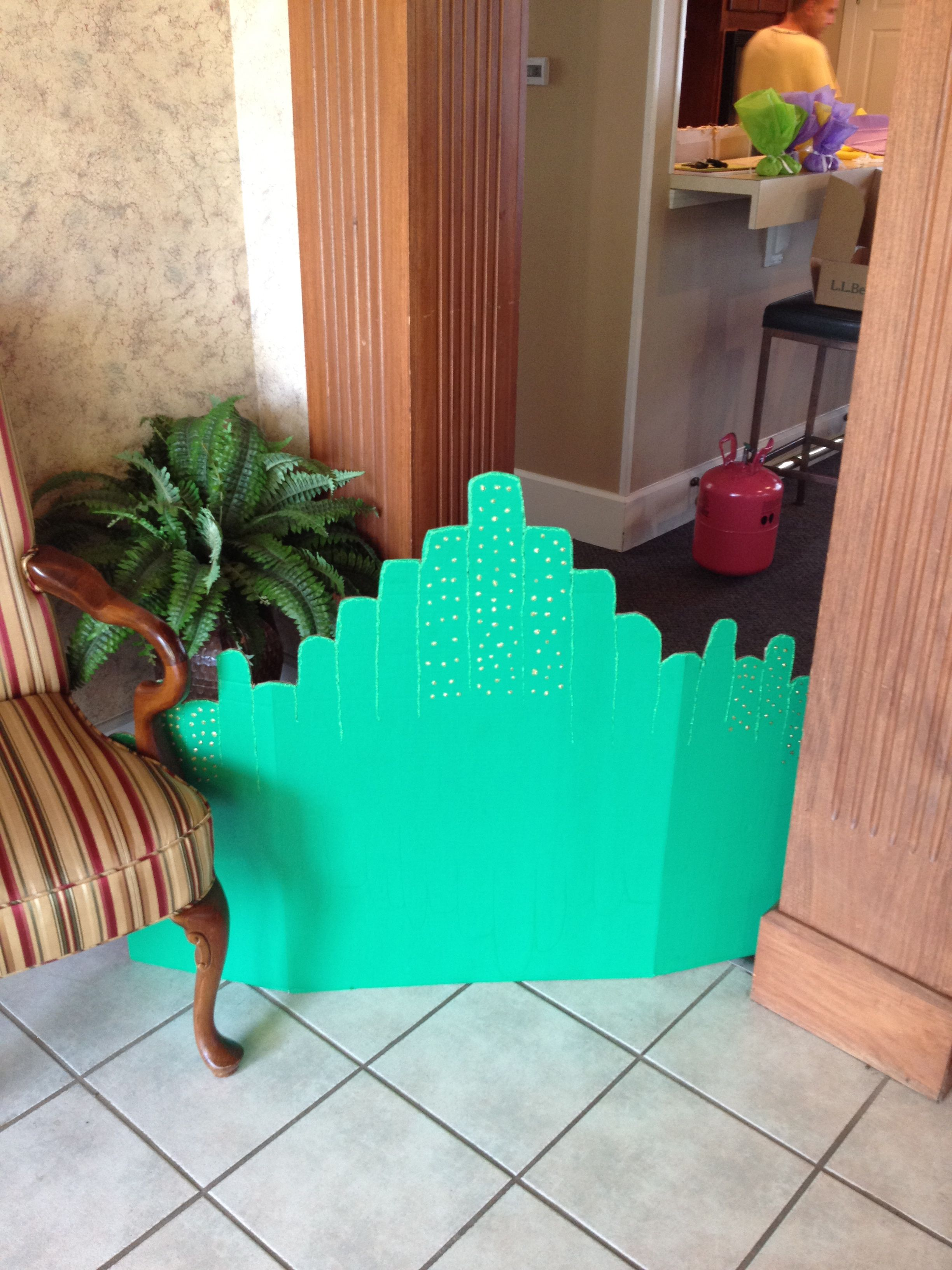 emerald city a green tri fold board a razor blade and lots of