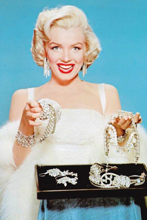 Imagen vía We Heart It https://weheartit.com/entry/167937999 #50s #beauty #MarilynMonroe #tumblr #vintage